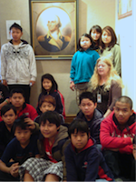 Picture of Meredith students with Washington Portrait
